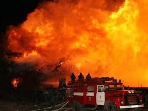 Пожилые жители поселка Майна в Хакасии оказались в эпицентре пожара