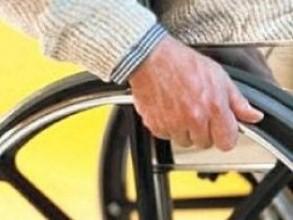 Жителю Саяногорска доставят потерявшуюся в пути инвалидную коляску