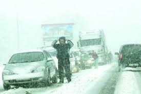 На трассе Абакан-Саяногрск из-за снежных заносов возникла аварийная ситуация