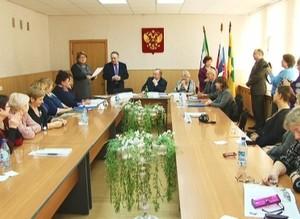 Саяногорцев наградили за хорошую работу в избирательной системе