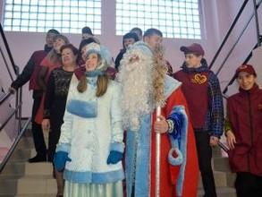 Почти 2 тысячи новогодних подарков получат дети из Саяногорска