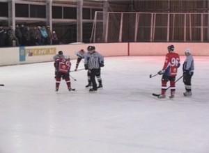 Чемпионат города по хоккею вышел на 2-й круг