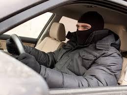 """В Саяногорске мужчина в """"благодарность"""" угнал автомобиль знакомого"""