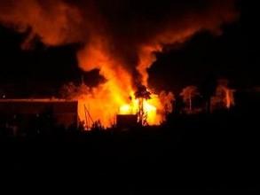 Раннее утро в Саяногорске озарилось пожаром