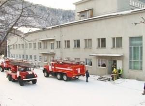 Пожарные потренировались на горящей сцене ДК «Энергетик»