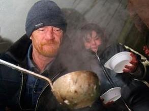 Бомжей в Хакасии прекратят кормить в марте
