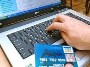 Житель Саяногорска купил билеты на самолет у интернет-мошенников