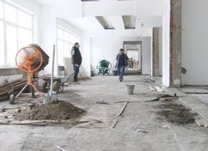 Масштабная реконструкция школы в Черемушках продолжается