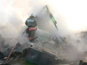 Огонь в Саяногорске легко стер с лица земли дощатые строения