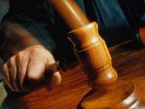 В Саяногорске вынесен приговор женщине, убившей сожителя банкой