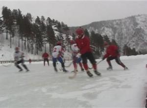 Хоккеисты с мячом из Черемушек поборются за звание Чемпиона Красноярского края