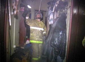 В Саяногорске пожарным удалось спасти человека из огня