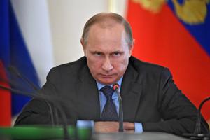 Путин подписал закон об ответственности за призывы к экстремизму в интернете