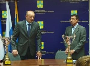 Глава муниципалитета наградил саяногорских спортсменов