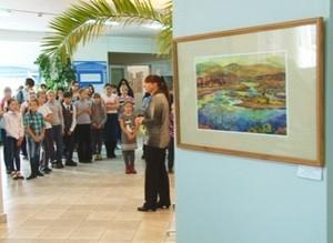 «Колорит» продолжает радовать горожан своими выставками