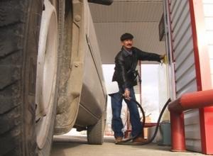 А бензин-то дорожает!!!