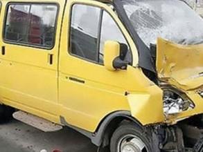 Пассажирская ГАЗель попала в ДТП на трассе Абакан - Саяногорск