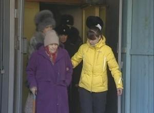 В Саяногорске внучка оставила родную бабушку без жилья