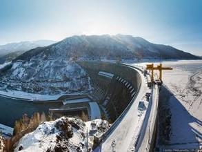 Выработка электроэнергии в Хакасии пострадала из-за малой приточности в водохранилище СШ ГЭС