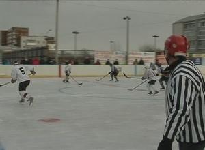 Школьники Черемушек сошлись на хоккейной арене