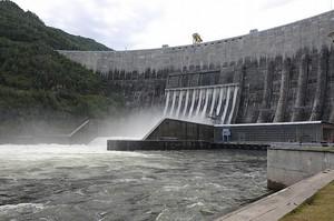 Саяно-Шушенская ГЭС спускает водохранилище