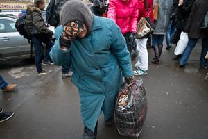 В Саяногорске обокрали старую женщину