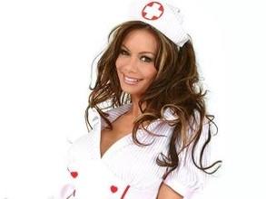 В Абакане владельца интим-магазина обязали убрать девушку в костюме медсестры
