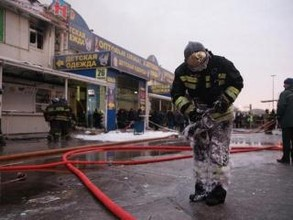 На муниципальном рынке Саяногорска горел павильон