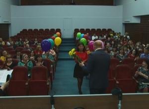 Глава Саяногорска наградил работников культуры