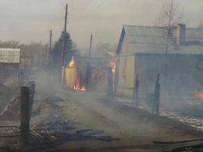 В Хакасии горят жилые дома и дачи, объявлено ЧС