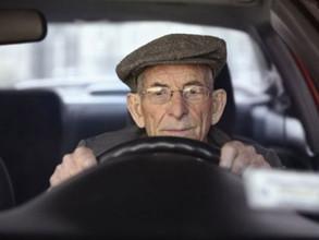 В Саяногорске водители-пенсионеры прошли ускоренные курсы реабилитации