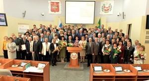 Глава Хакасии вручил государственные награды гражданам республики