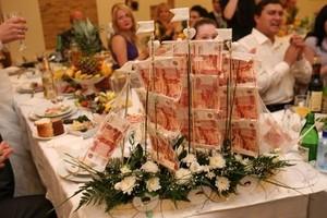 В Саяногорске гостья обокрала молодоженов