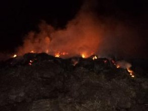 В Саяногорске несколько часов тушили огромный пожар