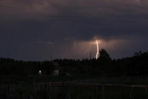 В Хакасии ночная гроза обесточила Краснополье