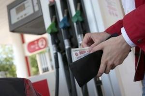Бензин в Хакасии за неделю подорожал на 20-50 копеек