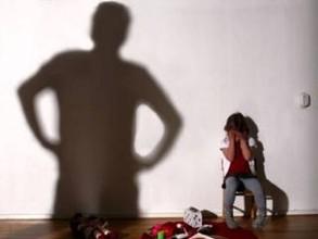 Жителя Хакасии, насиловавшего собственную дочь, приговорили к 17 годам