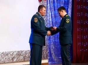 Спасатели и жители Саяногорска получили награды в честь 25-летия МЧС