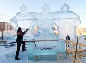 В Саяногорске строят ледовый городок