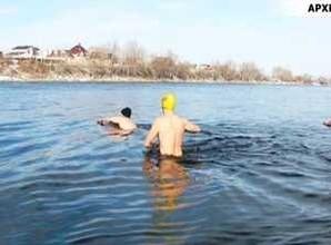 Саяногорские моржи начали подготовку к чемпионату мира