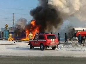В Саяногорске сгорела шиномонтажка