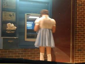Из-за бага денежного автомата обогатиться успели 39 омичей
