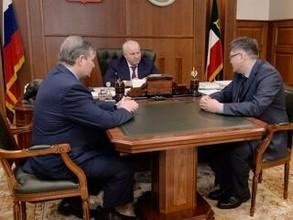 """Нового директора """"РУСАЛ Саяногорск"""" представили главе Хакасии"""