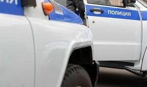 В Хакасии пьяный уголовник с ножом напал на таксиста