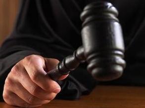 В Хакасии суд прекратил дело погорельца из-за спора