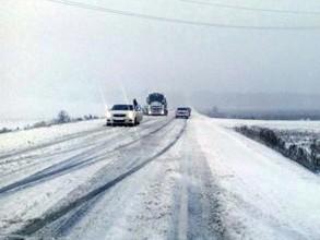 На дорогах в Хакасии затруднено движение