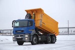 Новые модели самосвалов КамАЗ сошли с конвейера