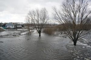 Прокуроры Хакасии вышли на борьбу с паводком