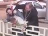 Священник-изгой «покарал» крестом бизнесмена за поцарапанную «Тойоту»