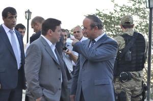 В Дагестане штурмуют дом экс-мэра Дербента Имама Яралиева